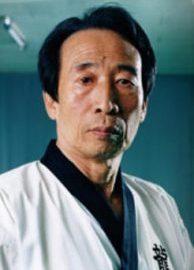 Am 23. Juni 2021 ist Kim Yun Sang Dojunim im Alter von 87 Jahren verstorben.
